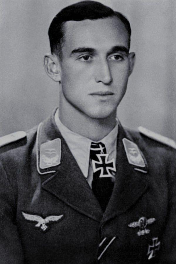 Helmut.jpg