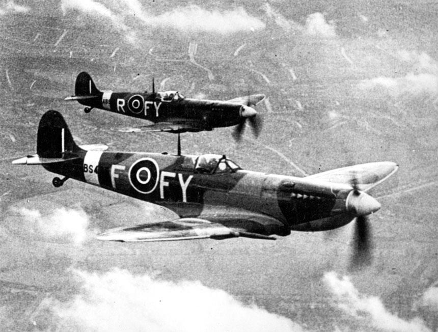 SpitfireIX_2_611Sqn_Biggin_Hill_1943.jpg